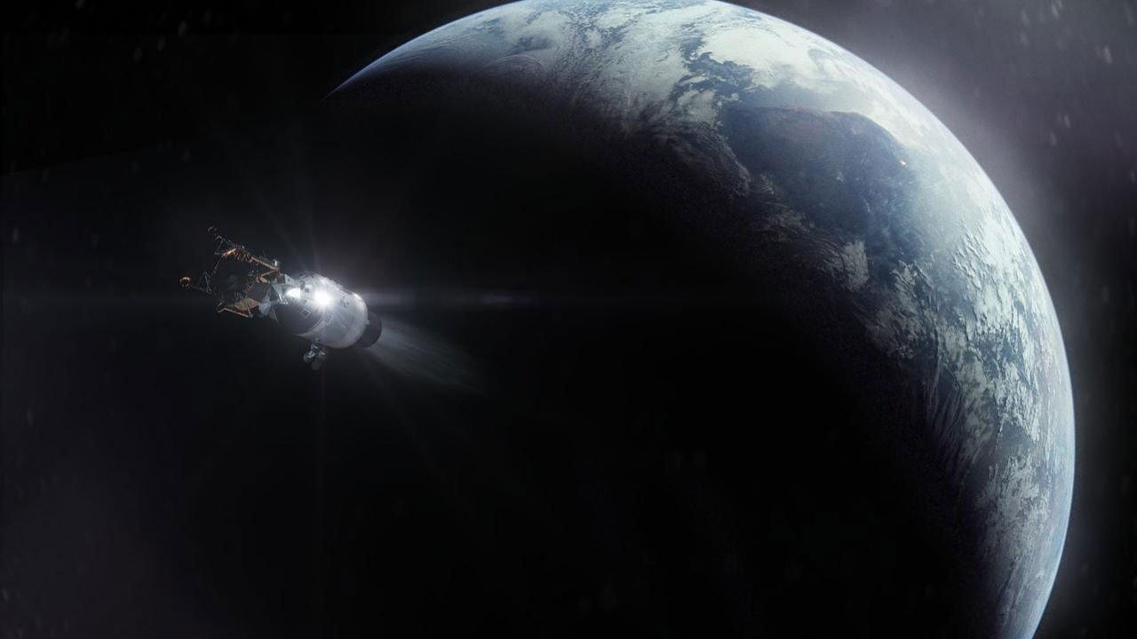 8 Ημέρες: Από τη Γη στη Σελήνη