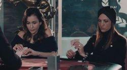 Sneak Preview - H Σμαράγδα παίζει χαρτιά στη λέσχη και δεν ξέρει ότι το παιδί της περνάει δύσκολες ώρες
