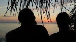 Ερωτικό ραντεβού στο ηλιοβασίλεμα Σάκη και Μαριαλένας