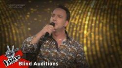 Δημήτρης Χαρίσης - Βρέχει στη φτωχογειτονιά | 2o Blind Audition | The Voice of Greece
