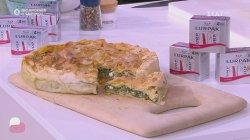 Ο chef Αλέξανδρος Παπανδρέου φτιάχνει εύκολη και γρήγορη σπανακόπιτα