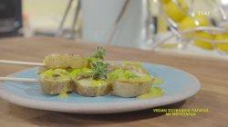 Vegan σουβλάκια πατάτας με μουστάρδα