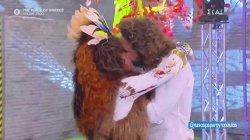 Το παθιασμένο φιλί του Νάσου Παπαργυρόπουλου στη Βάνια