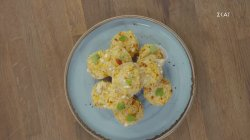 Μίνι muffins με κόκκινη πιπεριά και κατσικίσιο τυρί