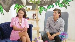 Η Νικολέτα Μαυρίδη και ο Παύλος Γαλακτερός στον καναπέ του Dot.