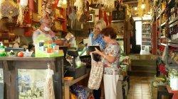 Δεν την προλαβαίνουμε την κυρία Μαρία στα ψώνια!