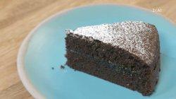 Κέικ σοκολάτας γεμιστό με μαρμελάδα