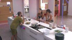 Η Σαμάνθα συνεχίζει το θέμα με τα πιάτα και την Ευδοκία