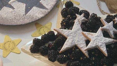Οι Γλυκές Αλχημείες Ταξιδεύουν | Κέικ μελιού με καρύδια