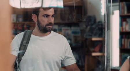 Trailer - Ο Φρίξος ανακαλύπτει ένα πεταμένο όπλο στον βυθό της θάλασσας