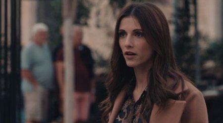 Trailer - Η Ηλιάνα βλέπει στον δρόμο τυχαία τη Στέλλα μαζί με την Ευγενία και τους επιτίθεται