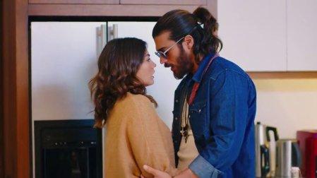 Trailer - Πόσοι άνθρωποι στον κόσμο, ερωτεύονται για δεύτερη φορά τη γυναίκα που αγαπούν;