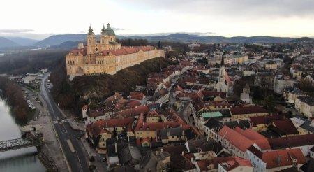 Trailer - Ταξιδεύουμε οδικώς στη μαγευτική Αυστρία