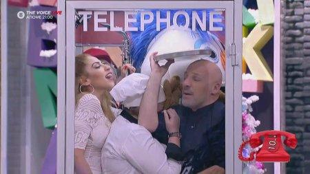 Πόσοι χωράνε στον τηλεφωνικό θάλαμο;