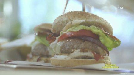 Ζουμερό cheeseburger