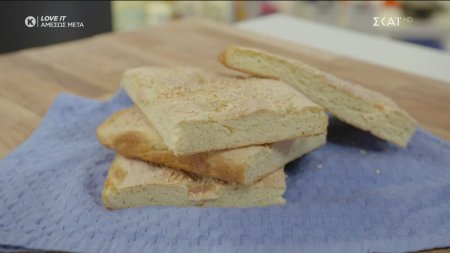 Παριανή φουσκωτή με τυρί