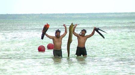 Survivor Exclusive | Τί κοινό έχει το ψάρι που έπιασε ο Κόρο και ο Κώστας, με τον Αλέξη Παπά;