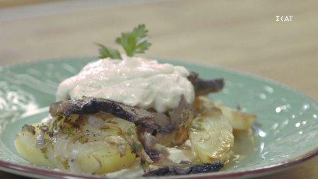 Πατάτες με μανιτάρια στο φούρνο και χούμους