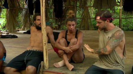 Σάκης και Ηλίας προσπαθούν να εμψυχώσουν τη Μαριαλένα