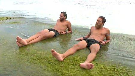 Χαλαροί στην παραλία Ασημακόπουλος και Κόρο
