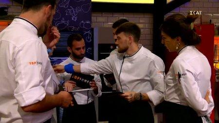 Οι παίκτες κάθε ομάδας διαλέγουν τους αντιπάλους τους και τα πιάτα που θα ετοιμάσουν