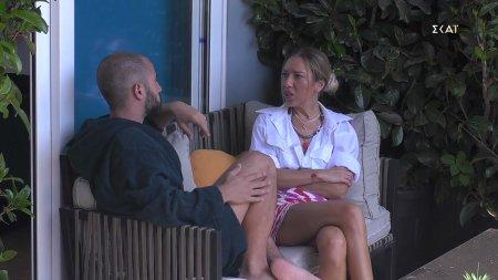 Ισίδωρος και Μαίρη συζητούν για τον χαρακτηρισμό